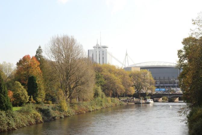 Cardiff, river taff