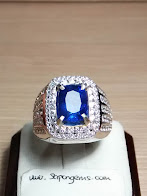 4,29ct NATURAL ROYAL BLUE SAPPHIRE MURMER!