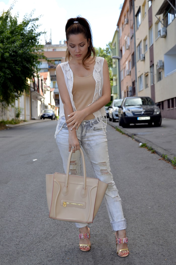 outfit, neutrals, nude color body suit, acid wash ripped jeans, sandals with rhinestones, white embroidered lace crochet top/shirt/vest, celine inspired knockoff beige boston tote bag