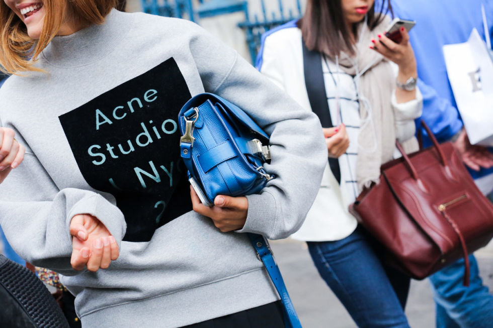 london fashion week, acne, blue hand bag