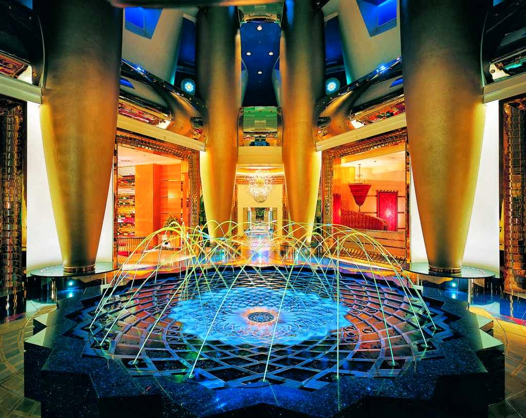 World visits burj al arab inside ocean for Nice hotels in dubai