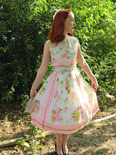 L'aiglon 1950s peaches pear grapes fruit novelty print dress Just Peachy, Darling