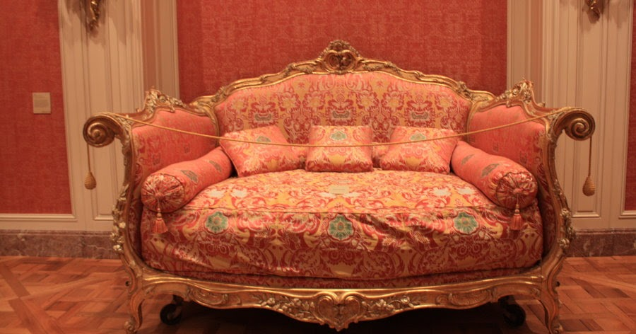 Antique italian classic furniture rococo style sofa for Baroque reproduction furniture
