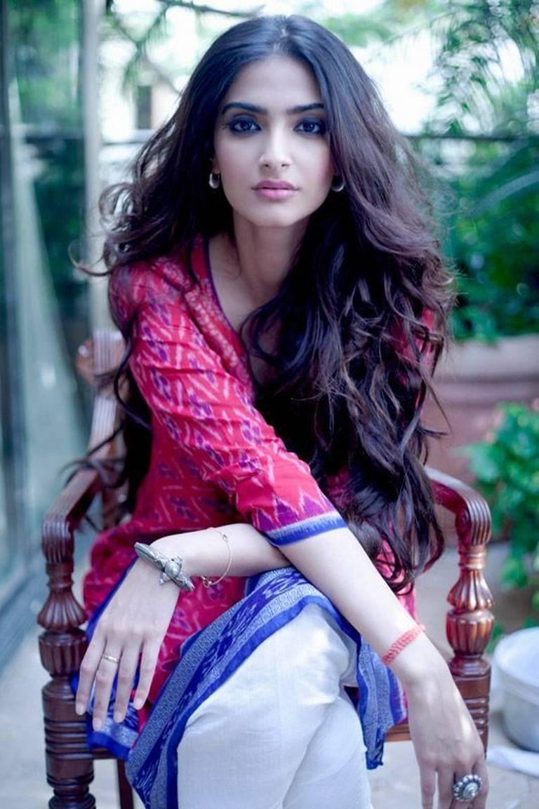 Sonam Kapoor Images Hd Wallpaper All 4u Wallpaper