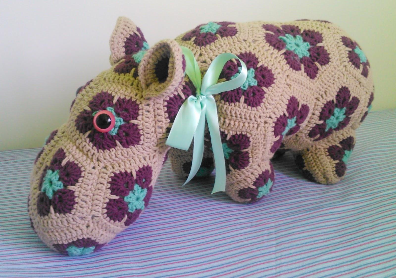 Inauguramos blog. Hipopótamo de flor africana. | La madre de la cordera
