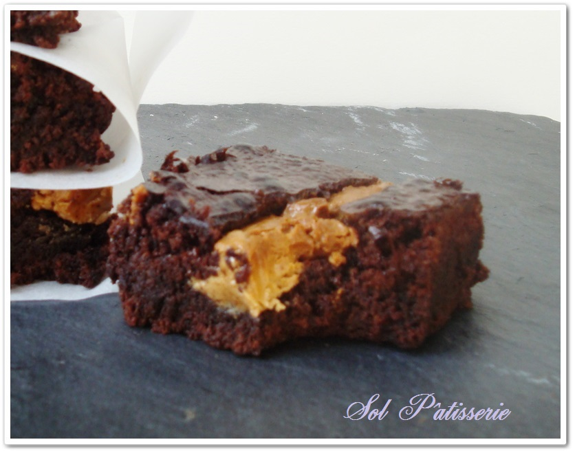 Brownies com manteiga de amendoim