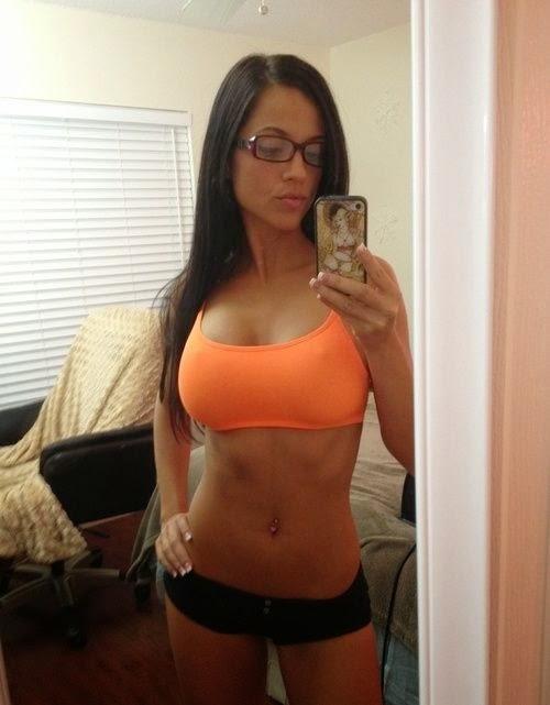 chicas amateur adictas a los selfies ,calientes ,sensuales, cachondas y extremandamente bellas en las mejores autofotos de la red , chicas sexy 1x2 , whatsapp pics ,traviesas.