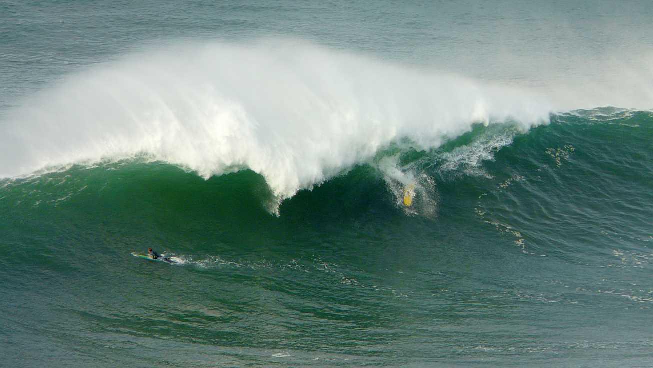 surf menakoz diciembre 2015 olas grandes 13
