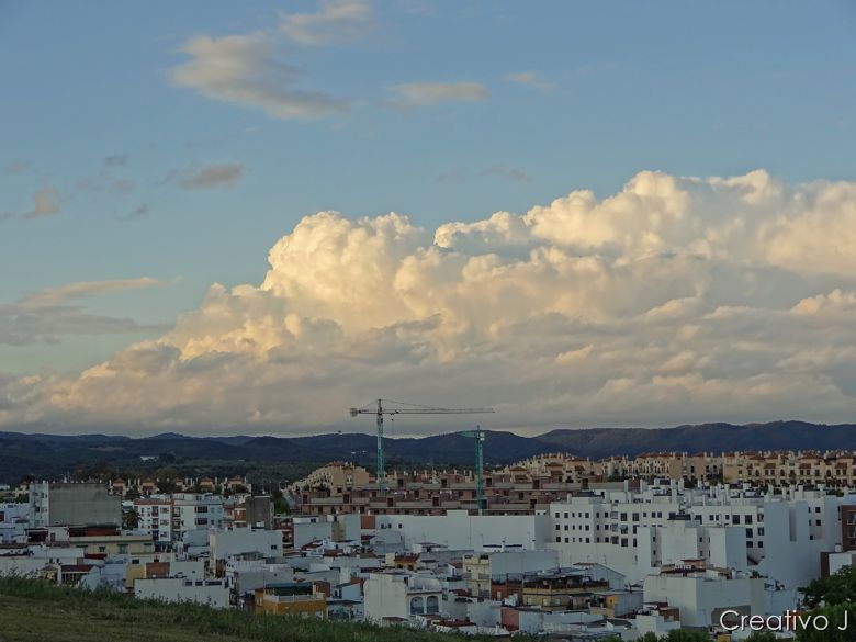Parque asomadillas cordoba españa nubes