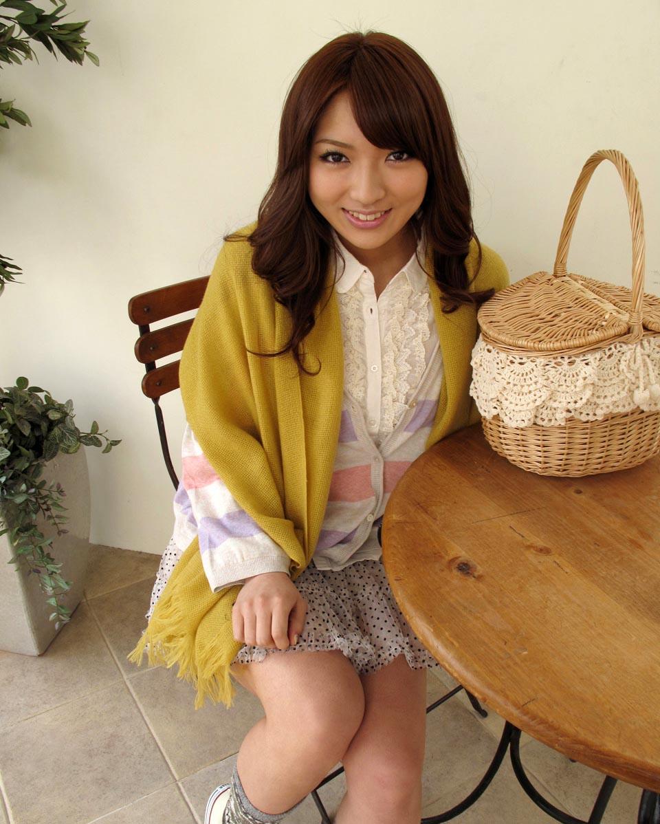 hot japanese idol shiori kamisaki pics 05