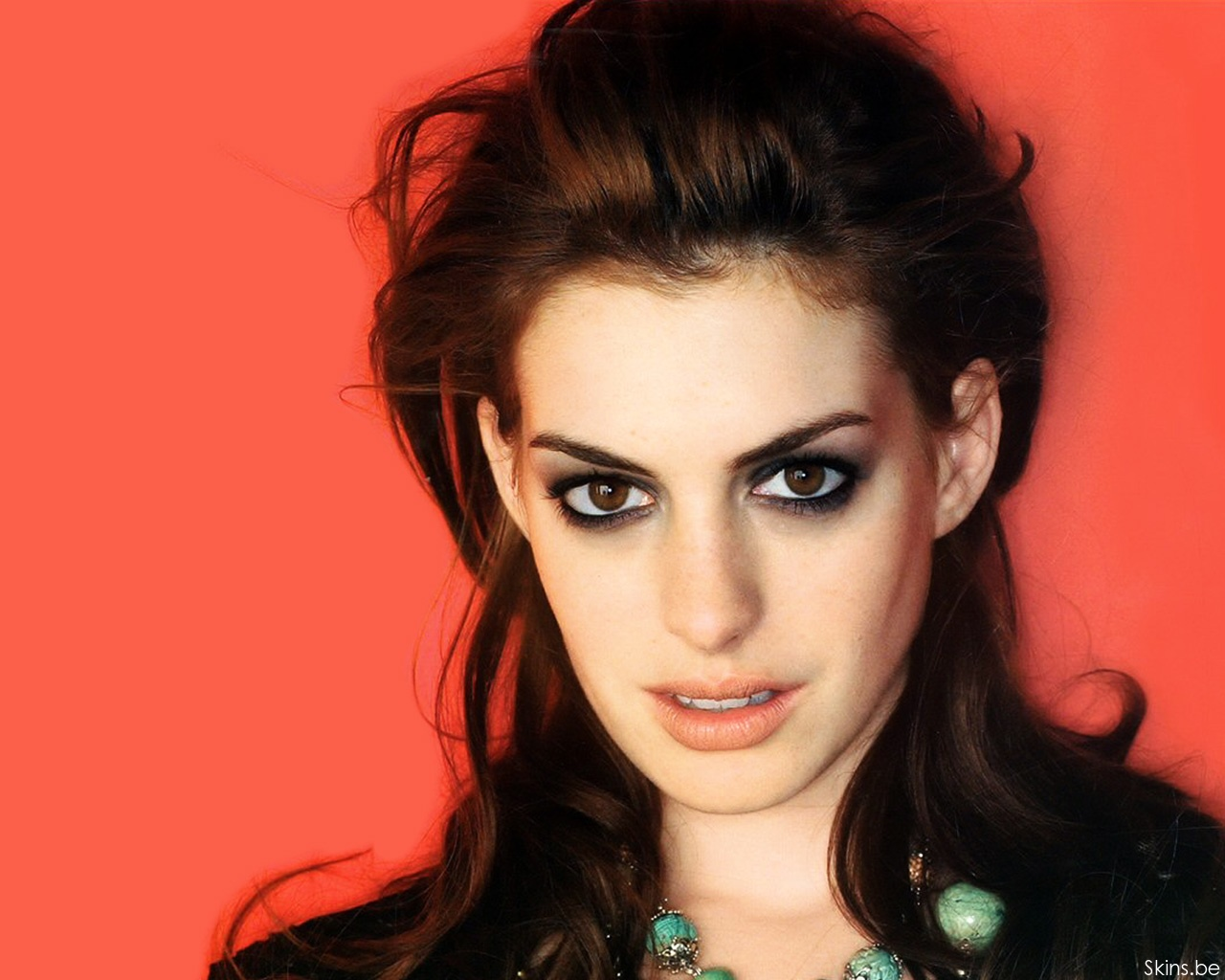 Celebrity Pictures: Anne Hathaway