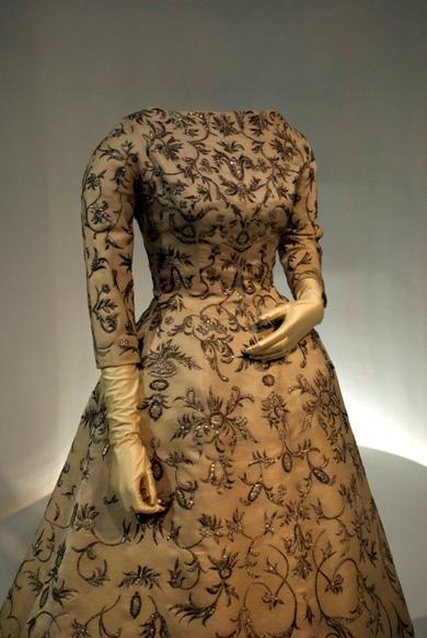vestido de novia balenciaga gt fashion diary