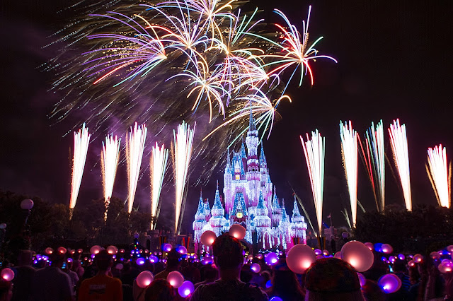 Walt Disney World Resort Celebrates the New Year with Fireworks, Fine Dining and Festive Entertainment