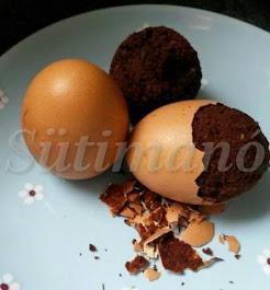 Tojáshéjban sült brownie