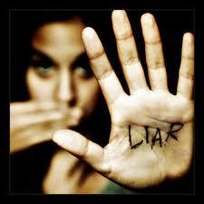 كيف تعرف أن أحدهم يكذب عليك !!