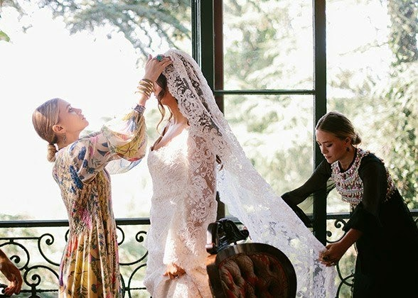 Mary-Kate and Ashley Olsen designed a wedding dress