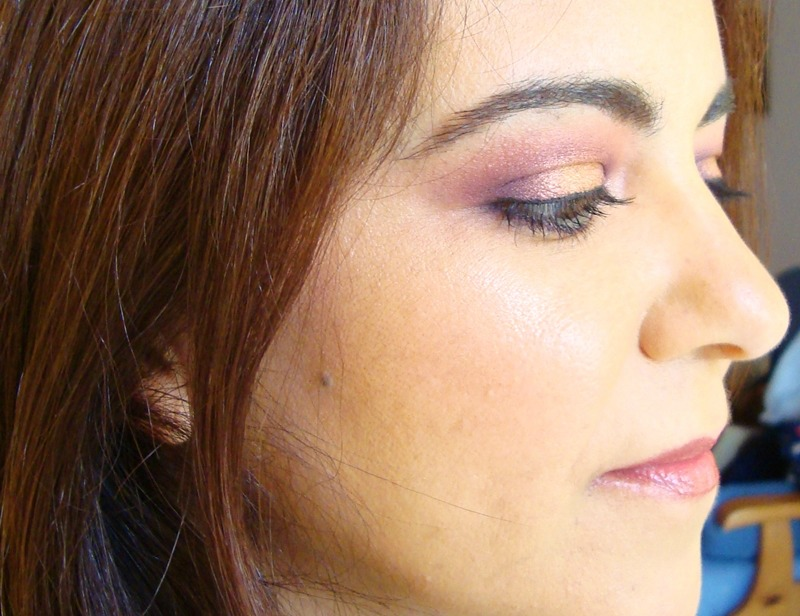 Make_Up_For_Ever_92_Eye_Shadow_Swatch_ObeBlog_01