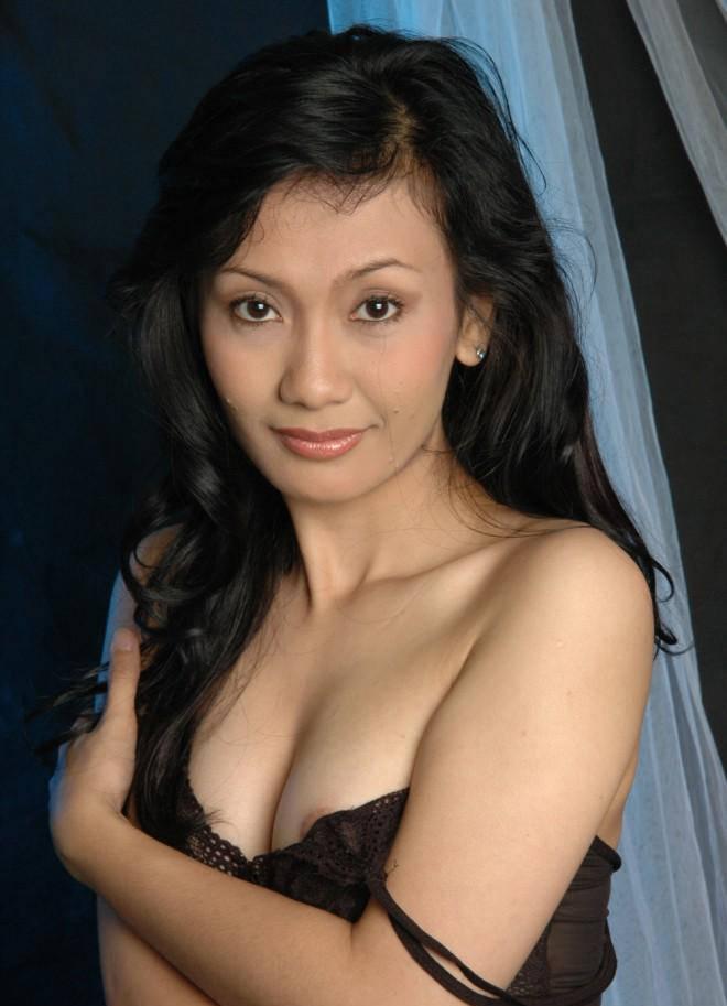 Foto-Hot-bugil-Ayu-Oktasari-memek-winner-of-Take-Me-Out-Indonesia2.jpg