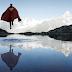 Super Heróis em momentos solitários em paisagens deslumbrantes