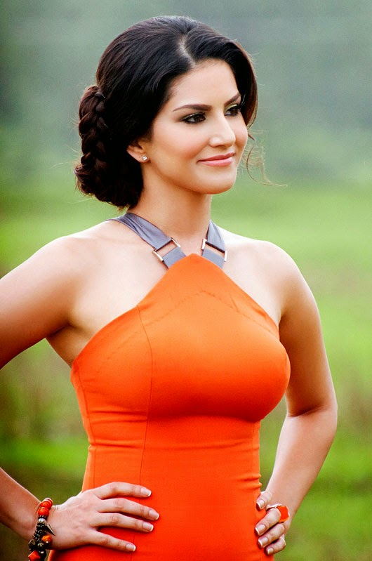 Sunny Leone's Hot Images From Jackpot Movie