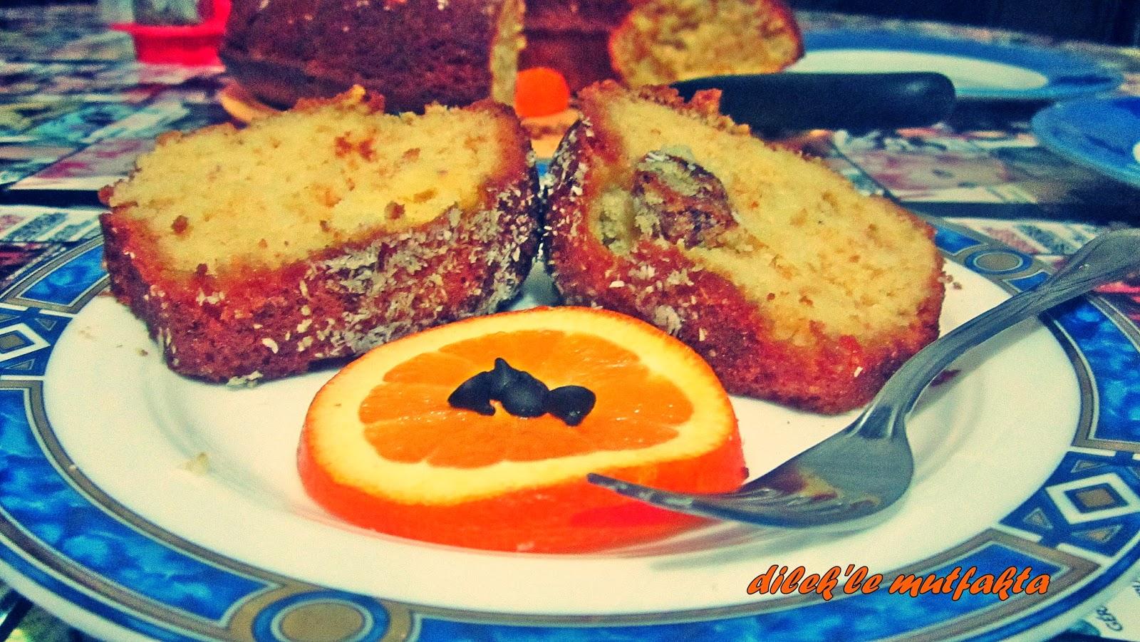 Portakallı Kuru Meyveli Kek