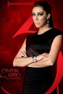Cynthia Klitbo con los brazos cruzados