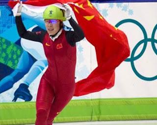 PATINAJE DE VELOCIDAD-Pelea entre el equipo chino y Wang Meng sale dañada