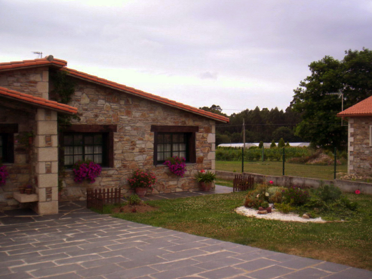 Construcciones r sticas gallegas casa en naron - Casas en planta baja ...