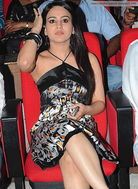 Hot pics of Aksha