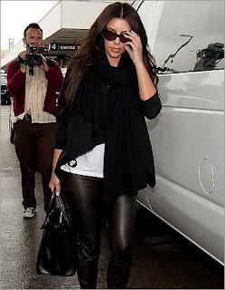 Foto Kim Kardashian Telanjang di Dapur Beredar?