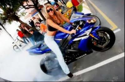 stunt female rider motor-