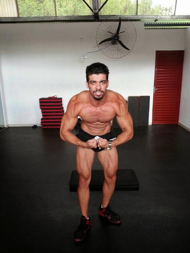 O atleta de 1,76 m e 77 kg compete na categoria Men's Fitness. Foto: Arquivo pessoal
