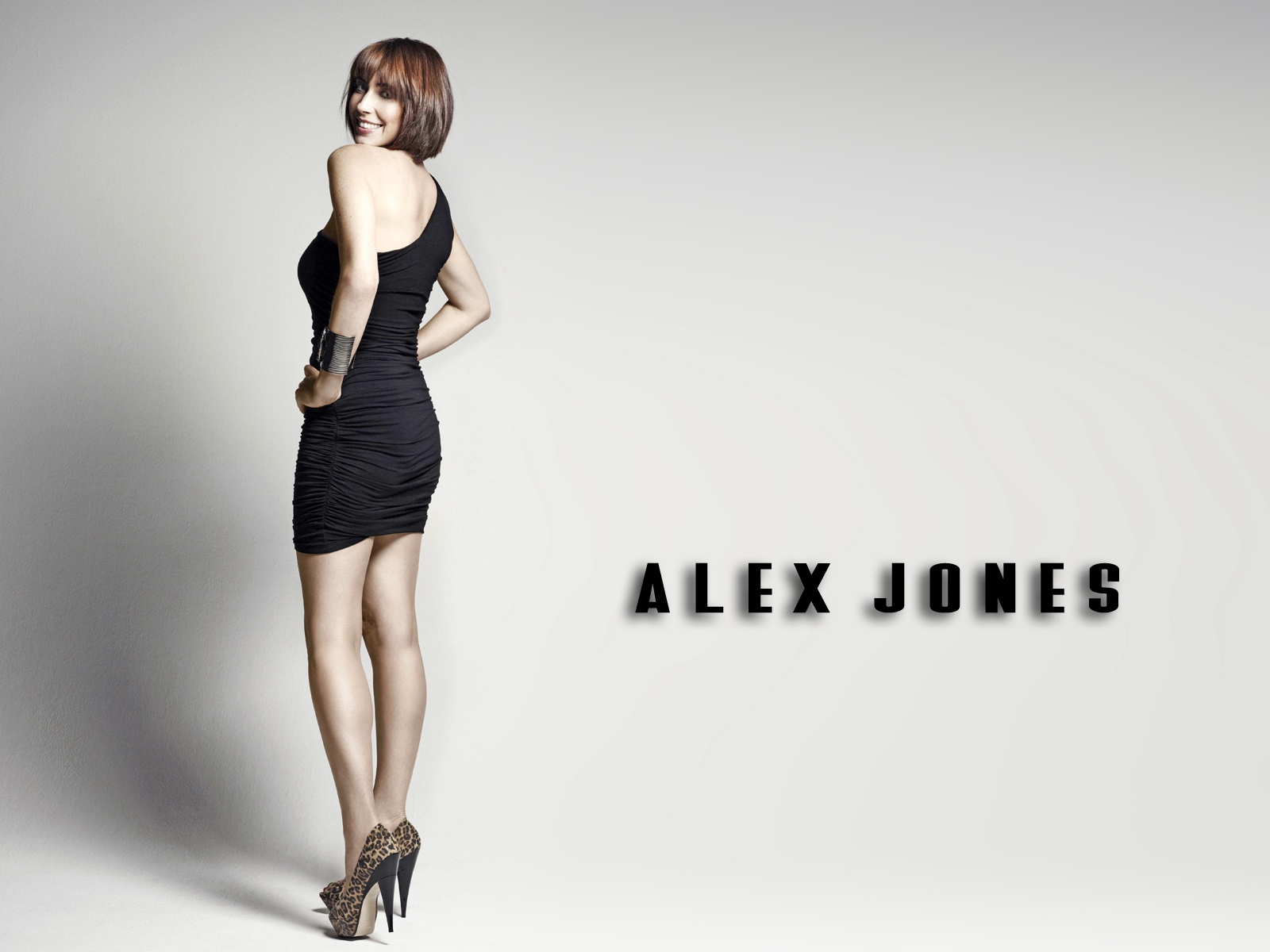 http://2.bp.blogspot.com/-WpSWXB9ayvk/T0zBDzJoG6I/AAAAAAAAKJs/5WSmDNUp5EY/s1600/sploogeblog_alex_jones_littleblackdress_wallpaper.jpg