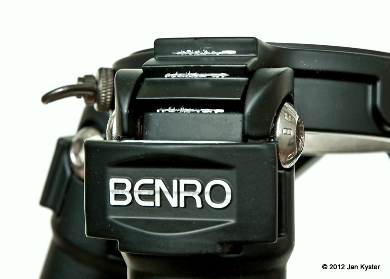 Benro C3770T CF Tripod - leg angle lock steps wished contact detail