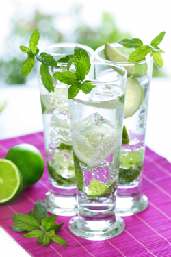 Virgin Mojito - Mocktail with Lemon and Mint | Taste & Flavours