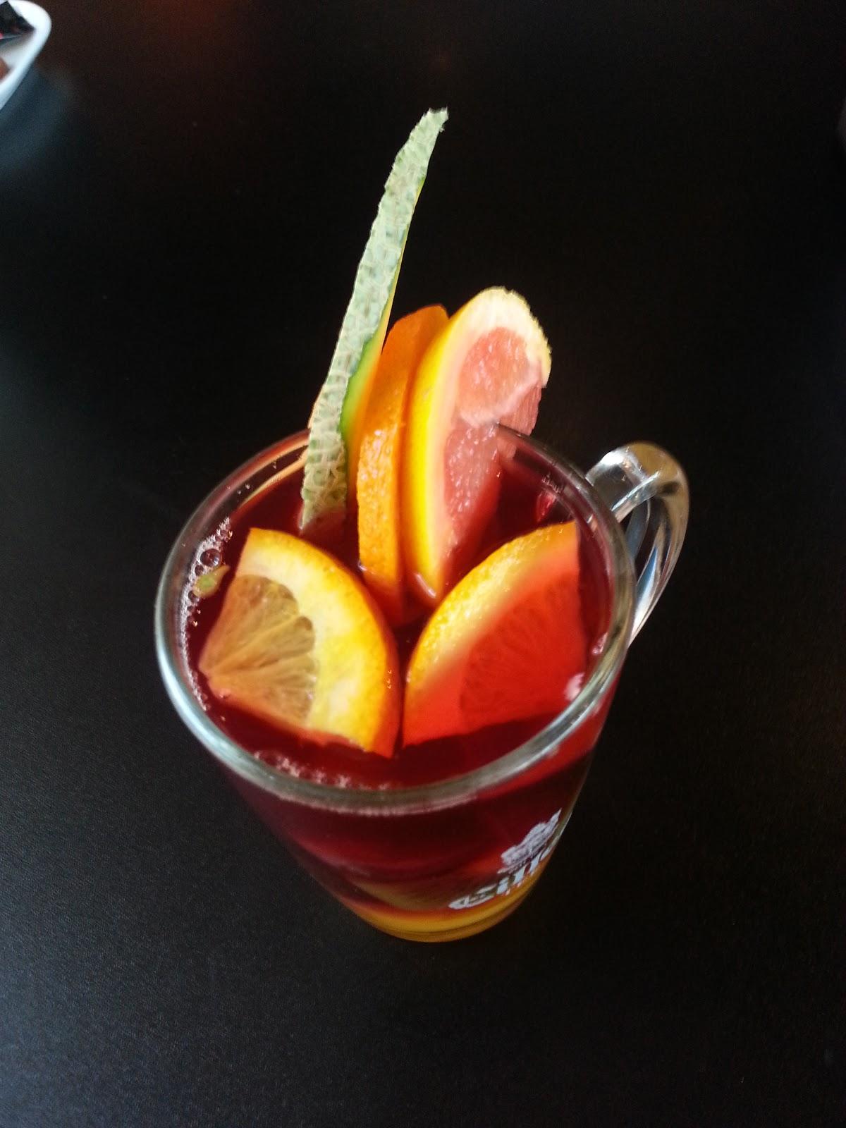 Max Ice & coffee, fruit tea, vegan
