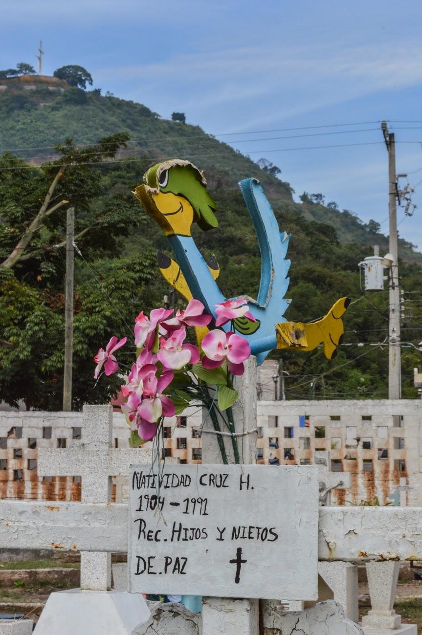 Cementerios de m xico pante n jard n de la cruz la for Cementerio jardin del oeste