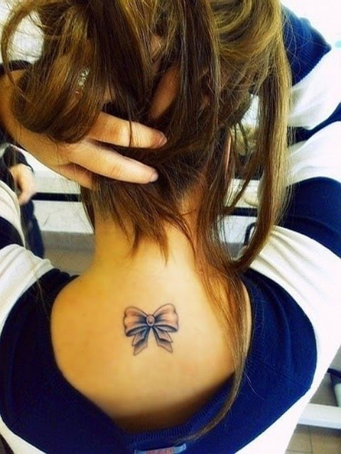 ♥ ♫ ♥ I would get this with daddys girl in it because my dad always used to put ribbon in my hair. Bow Tattoos for Girls  ♥ ♫ ♥