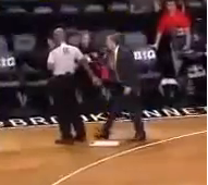 Mike Budenholzer hits referee with clipboard