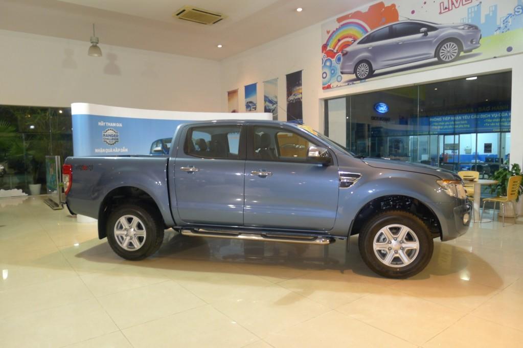 Ford Ranger XLT 2014 màu xanh