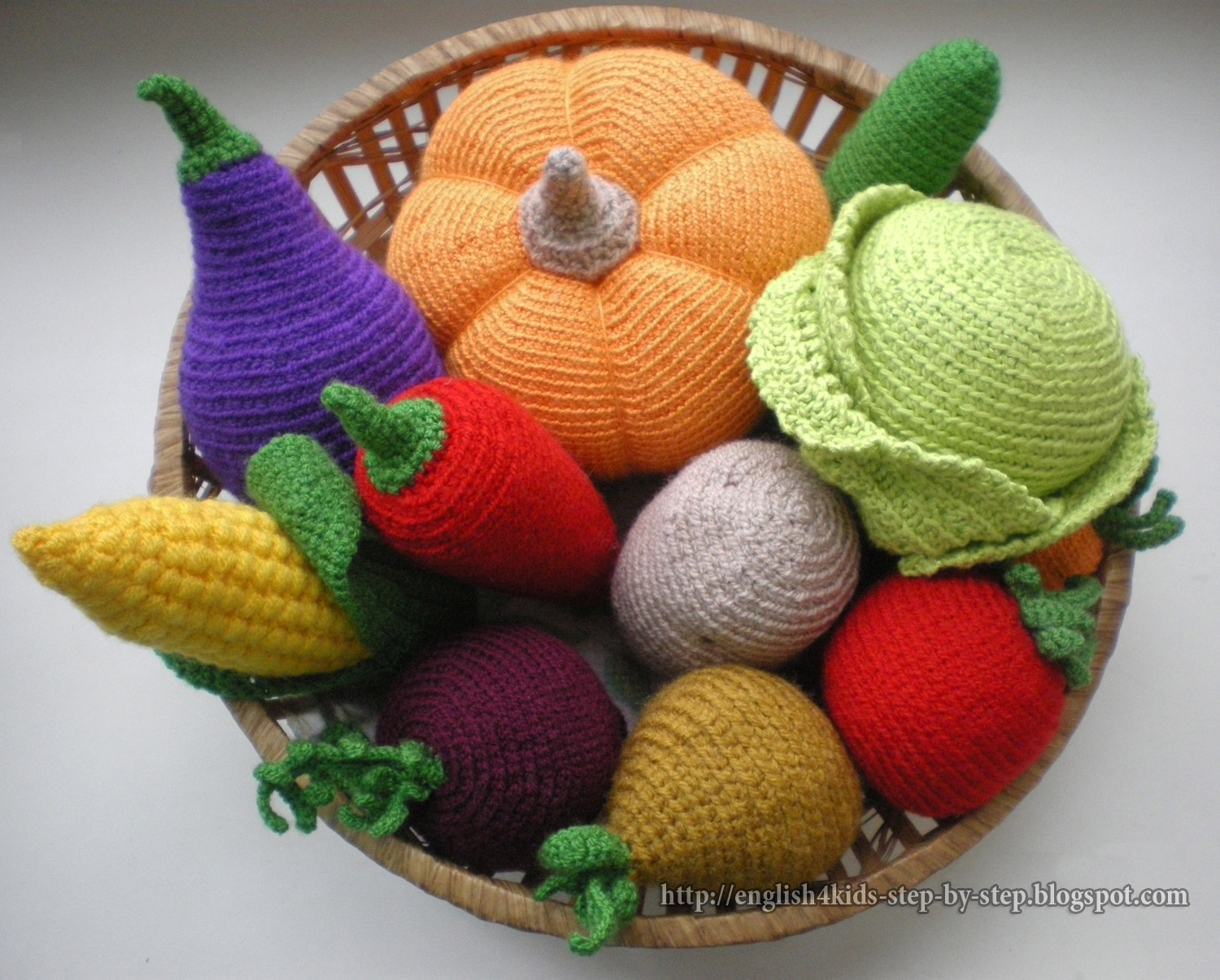 Crochet Patterns Vegetables Free : the set of 11 crocheted vegetables crochet carrot length 10cm