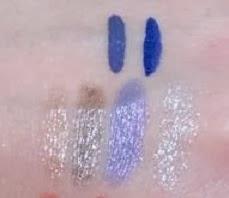 Pupa Navy Chic: in alto da sinistra a destra i Vamp! Professional Eyeliner in 300 Light Blue e 301 Shocking Blue. In basso da sinistra a destra i Magic Stylo in 001 Golden Rose, 002 Taupe, 003 Wisteria e 004 Silver.