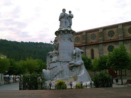Monument al Pare Claret a la Plaça dels Arbres de Sallent