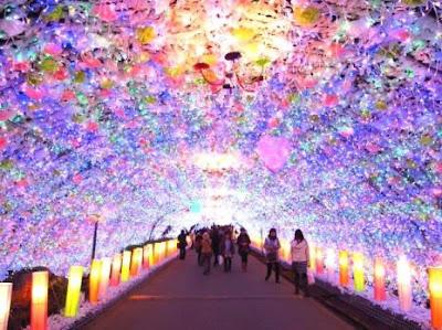 Um túnel de luzes coloridas de 450 metros de comprimento pode ser apreciado gratuitamente até 21 de março em Gotemba (Shizuoka).