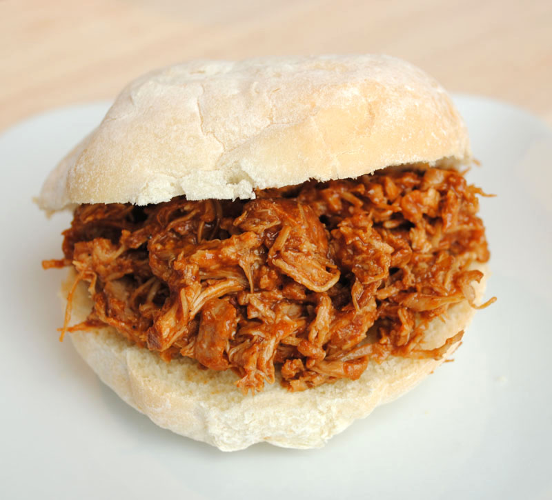 Leanne bakes: Slow Cooker Shredded Barbeque Chicken