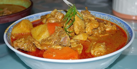 Malaysian Curry Chicken with Carrots and Potatoes