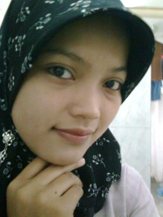kompilasi foto foto cewek cantik jilbab sexy moet cute dalam facebook koe.