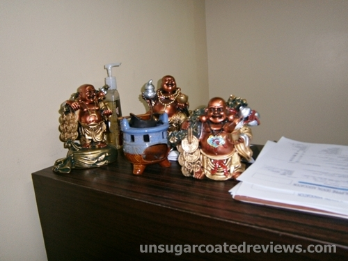 Buddha figures at Sambitan Dental Clinic