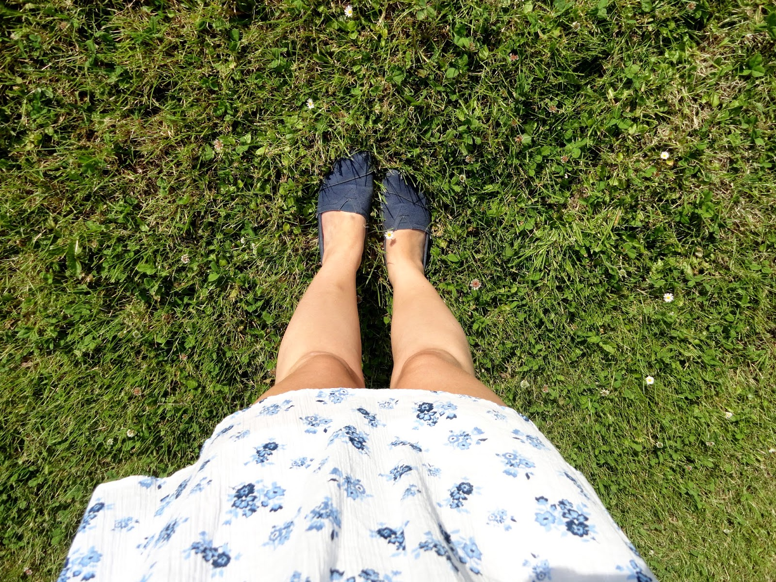 Clothes and Dreams: OOTD: Barbeque weather: From where I stand