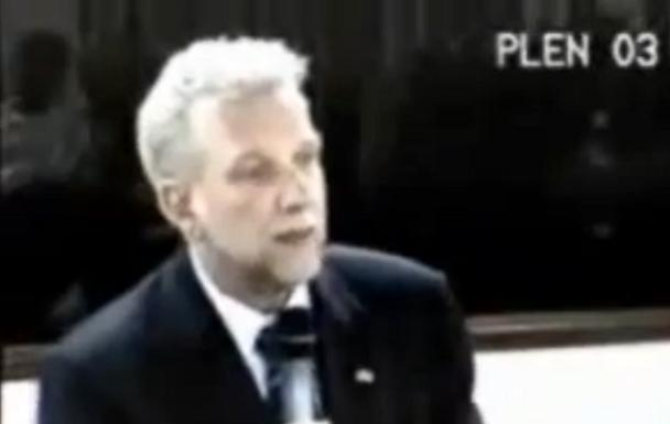 André Lazaro, MEC, KIT GAY